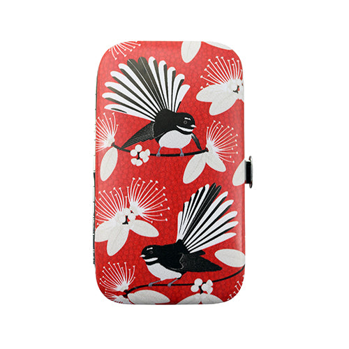 Manicure Sets Flirting Fantail Red - Kiwi Collections