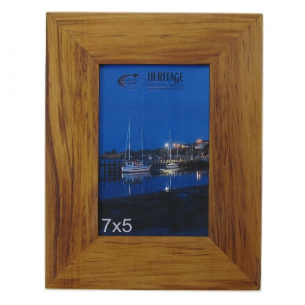 "HG RIMU PICTURE FRAME 7""X5"" - PORTRAIT - Kiwi Collections"