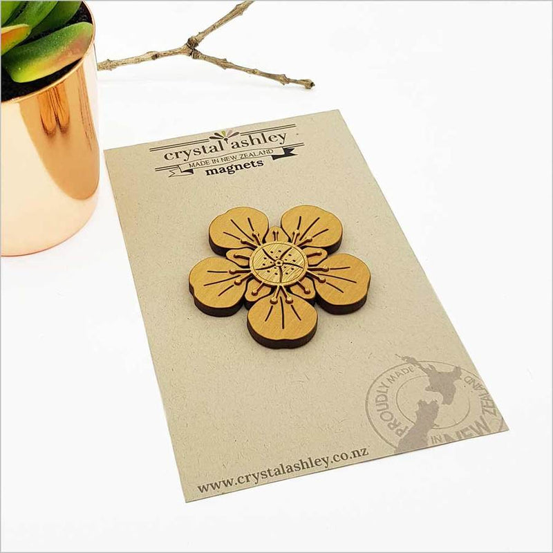 Magnet: Manuka Flower (NZ Beech and Bamboo Veneer)