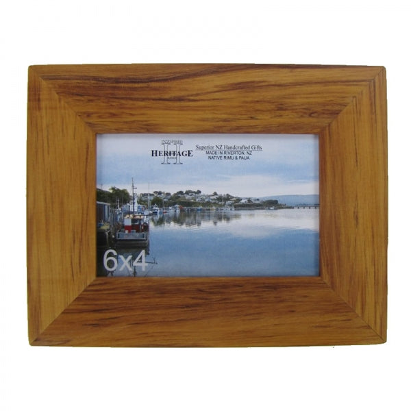 "PICTURE FRAME, RIMU - 6X4"" LANDSCAPE - Kiwi Collections"