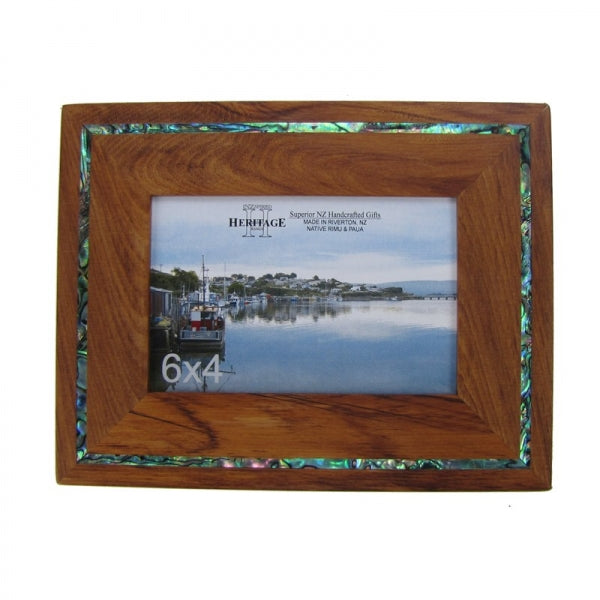 "PICTURE FRAME, RIMU - 6X4"" PAUA STRIP - Kiwi Collections"