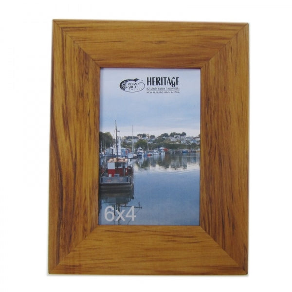 "PICTURE FRAME, RIMU - 6X4"" PORTRAIT - Kiwi Collections"