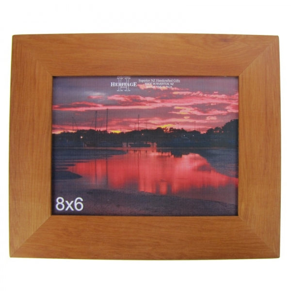 "PICTURE FRAME, RIMU - 8X6"" LANDSCAPE - Kiwi Collections"