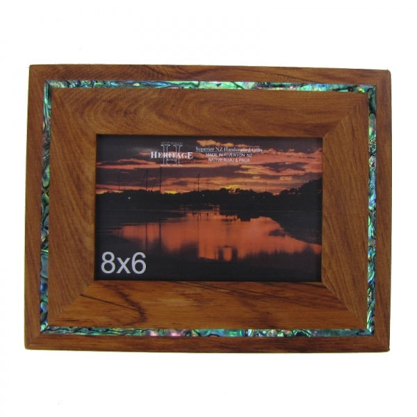"PICTURE FRAME, RIMU - 8X6"" PAUA STRIP - Kiwi Collections"