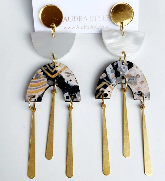 Eloise Cream & Black Abstract Earrings