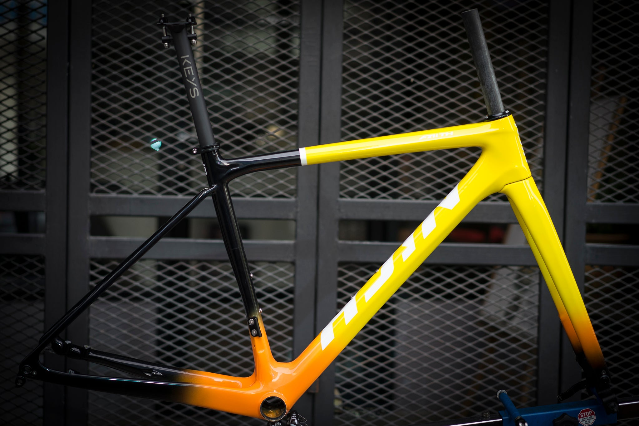 Nich Faith2 Yellow Roadbike