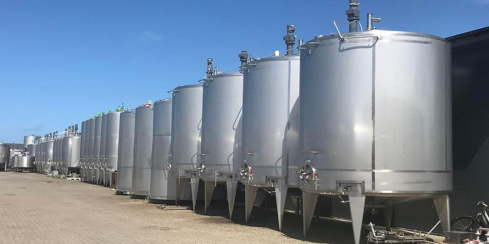 https://www.secondhand-equipment.com/collections/stainless-stell-tanks