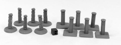 49004: BOLLARDS (12) (Bones Black) reaper miniatures