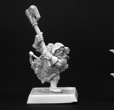 Reaper Pathfinder Miniatures 60004 - Harsk, Dwarf Ranger: www.mightylancergames.co.uk