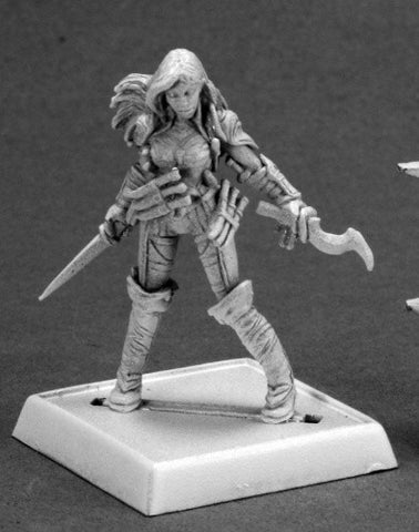 Reaper Pathfinder Miniatures - 60092 - Cleric of Calistra: www.mightylancergames.co.uk
