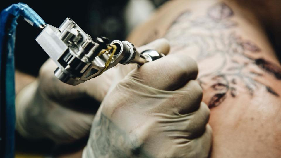 THE BRUSHLESS ROTARY TATTOO MACHINE