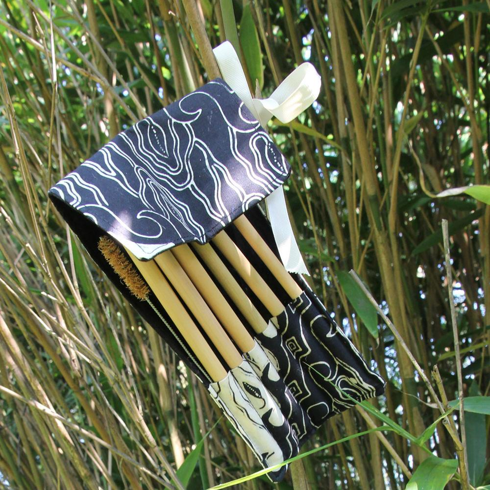 Shared Earth Bamboo 6 straw pouch - Black
