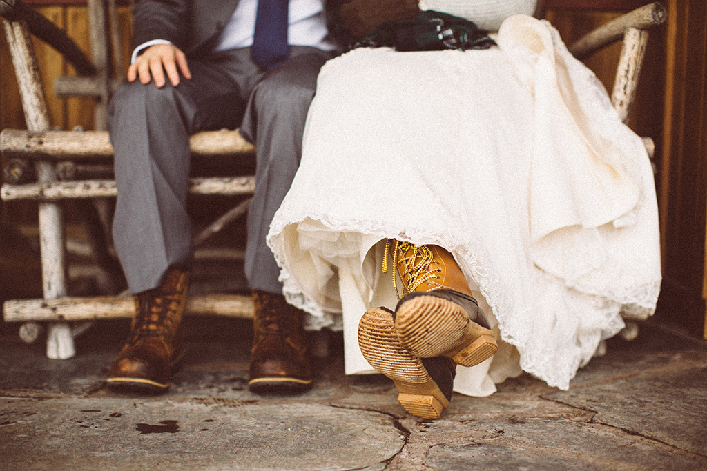 bride-and-groom-in-winter-boots