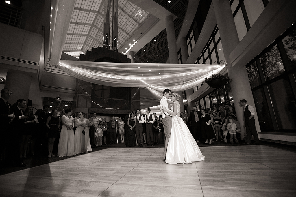 bride-groom-first-dance