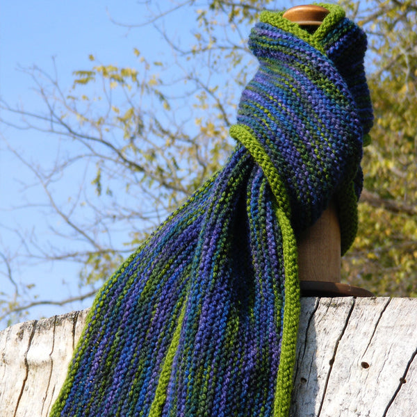 vertical scarf with rolled edge pattern