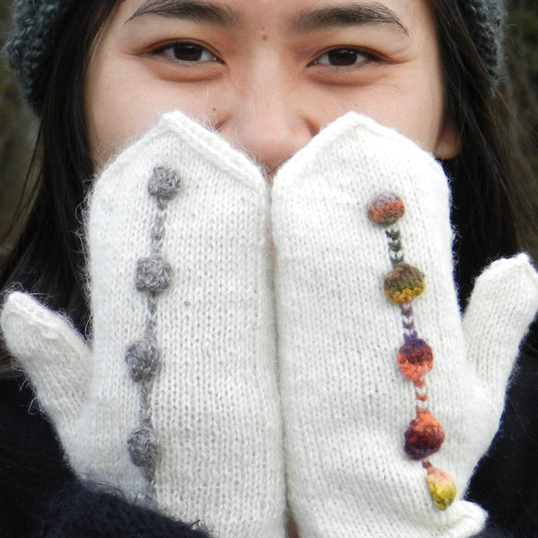 dotted line mittens pattern