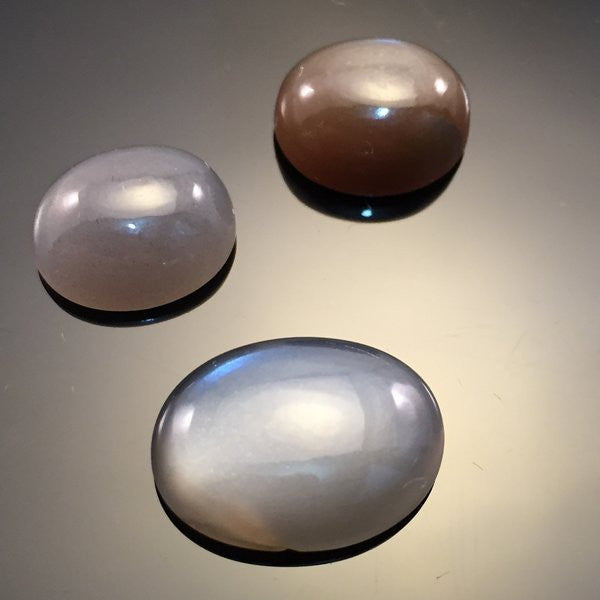 18 carat Grey Moonston Cabochon set - Colonial Gems