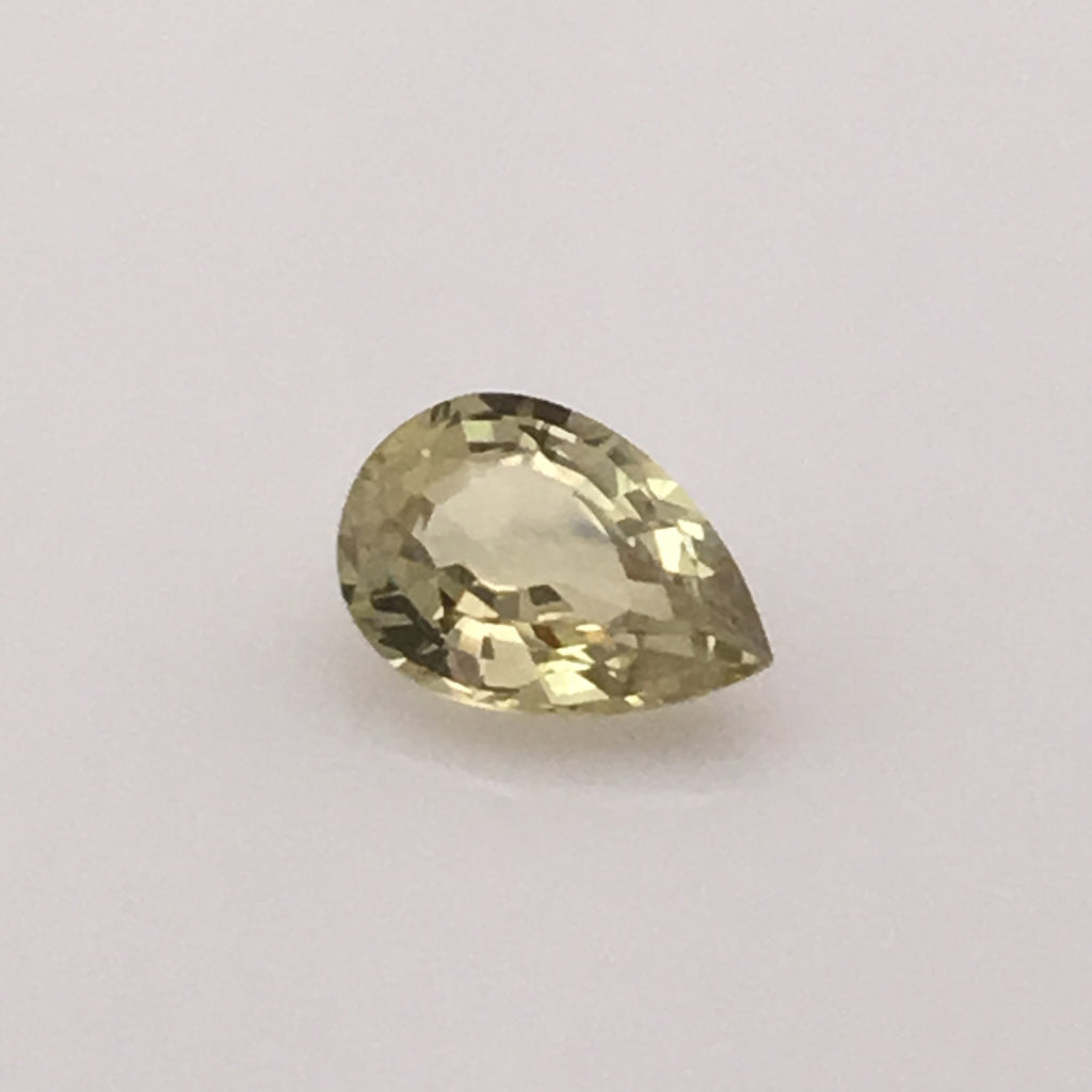 2.4 carat extravagant Yellow Sapphire - Colonial Gems