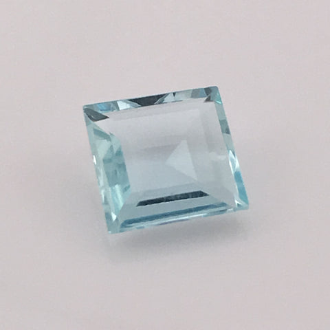 2.5 carat Emerald Cut Aquamarine Gemstone - Colonial Gems