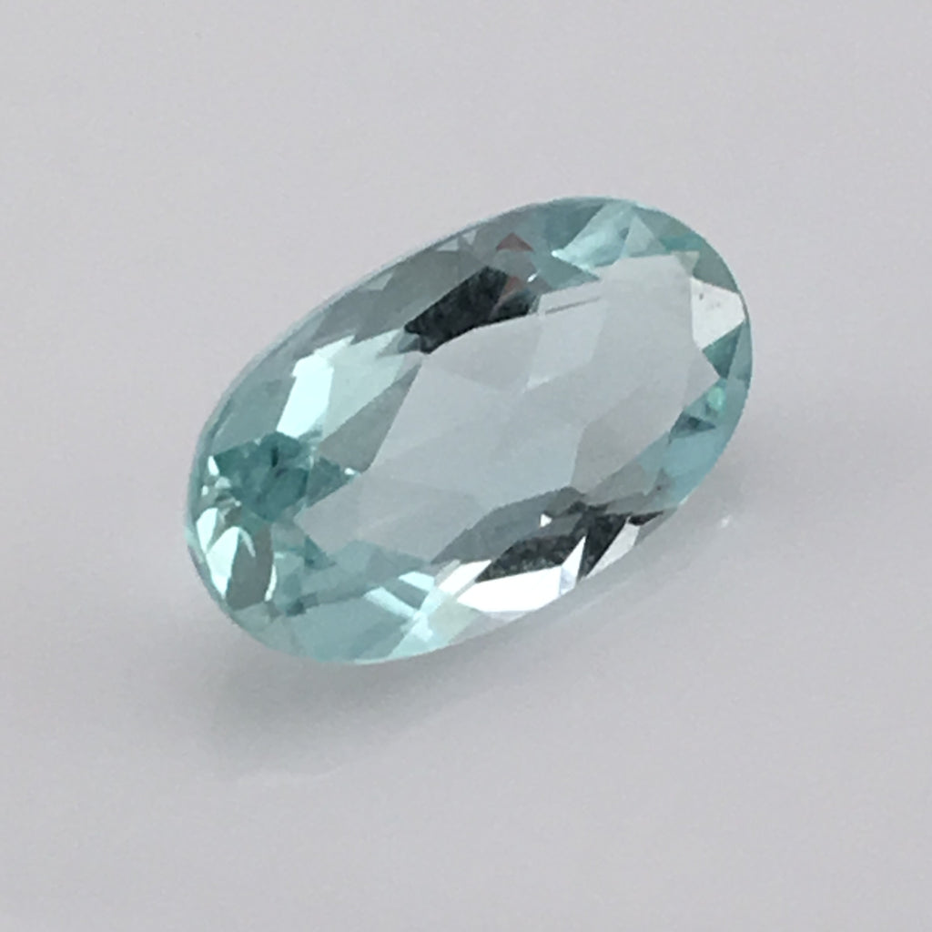 2.6 carat Flawless Siberian Aquamarine Gemstone - Colonial Gems