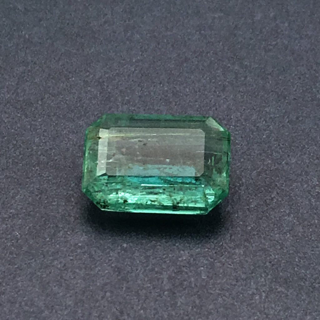 2.5 carat Emerald Gemstone - Colonial Gems