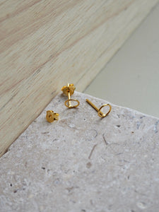 Gold mini ring stud