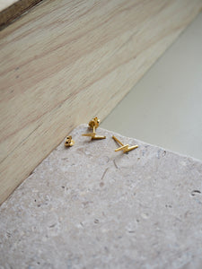 Gold lightening stud
