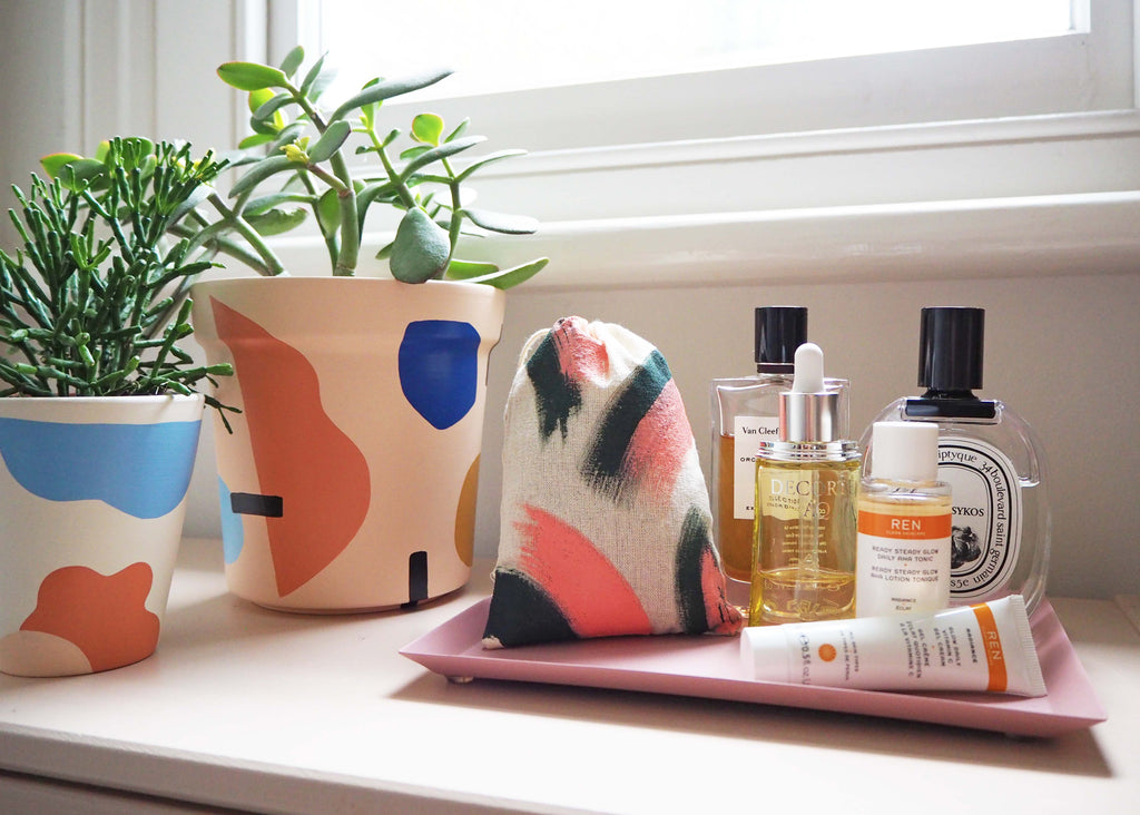 bedside table pouch