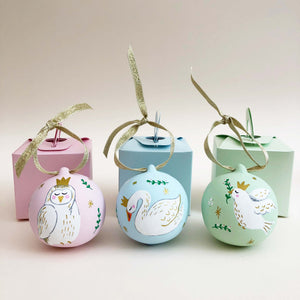 Swan Hand Illustrated Personalised ceramic bauble
