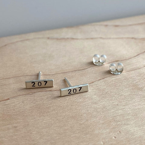 Small Maine 207 Bar Stud Earrings