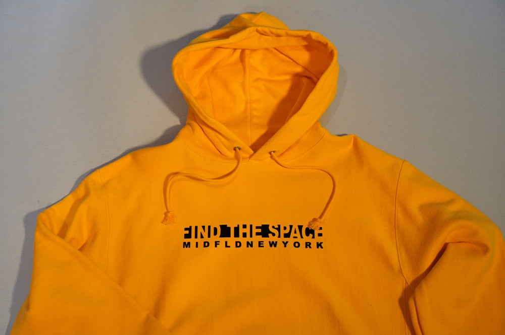 MIDFLD Champion™ NY Knockout Logo Hoody - Gold