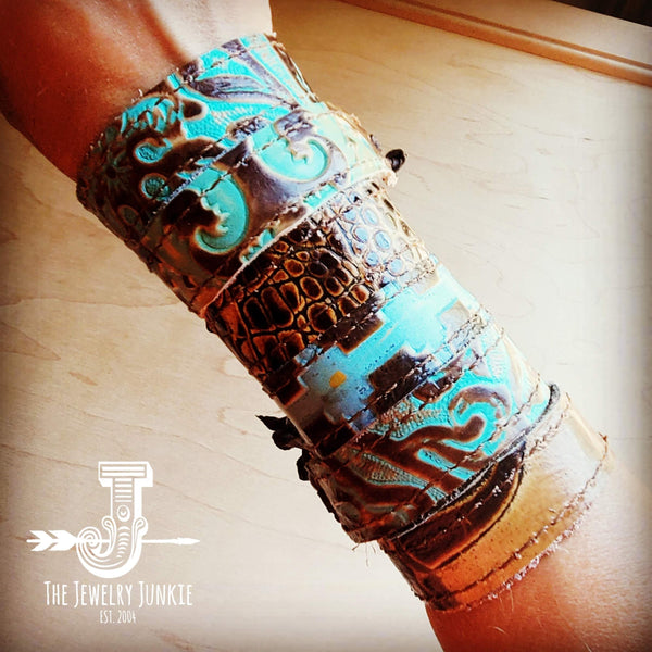Narrow Reversible Leather Cuff in Cowboy Turquoise and Cream Gator 001f