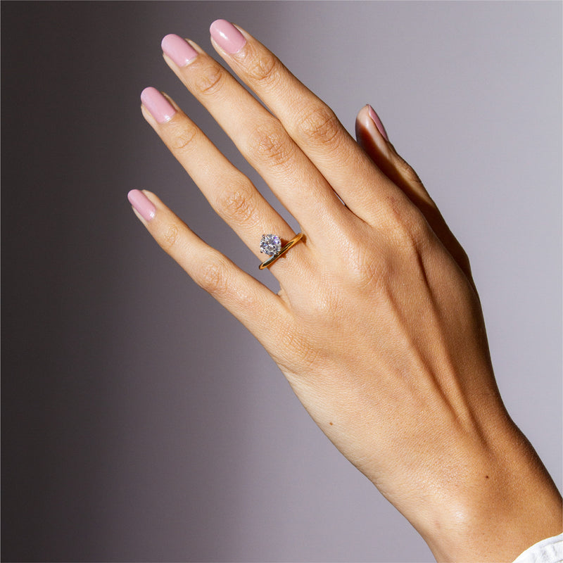 CHRYS Floating Diamond Ring