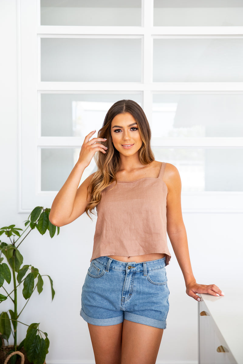 ARROW LINEN CAMI TOP - MOCHA