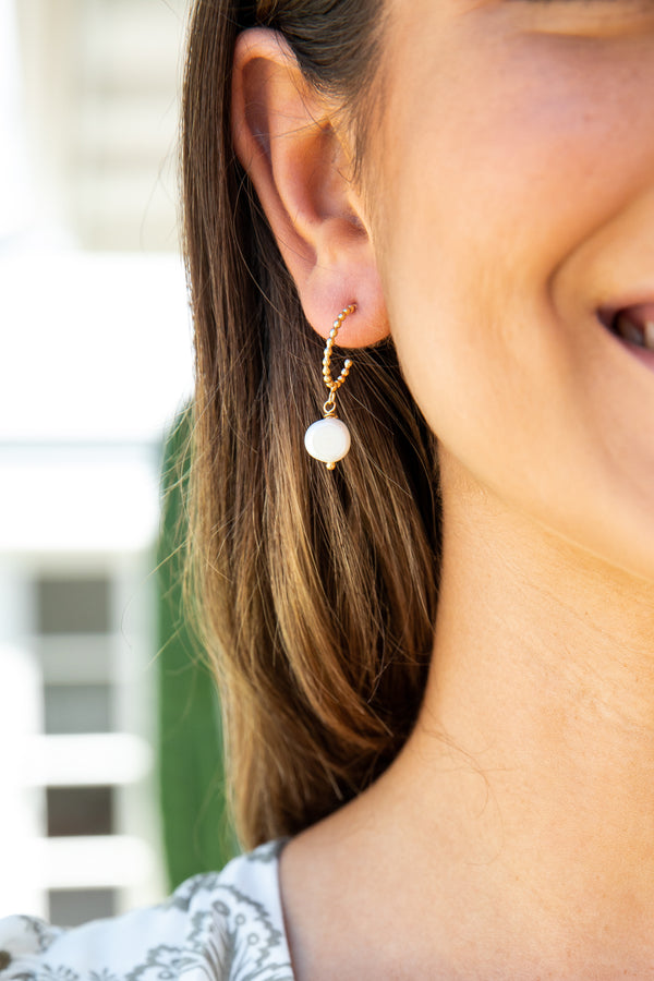 MADISON FRESHWATER PEARL DROP EARRINGS - GOLD