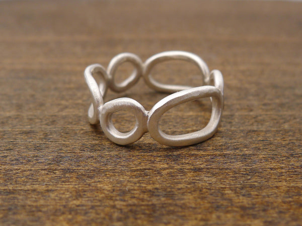 organic circles and ovals ring