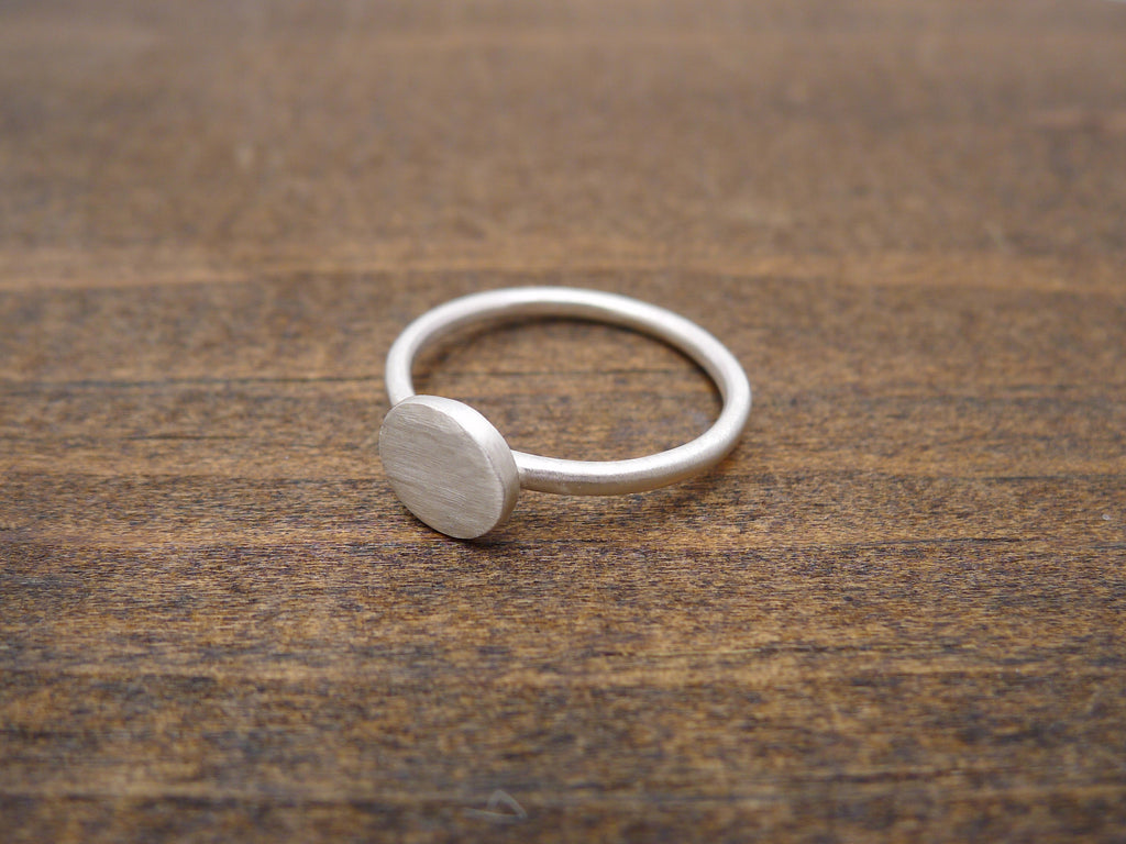 tiny circle ring side view