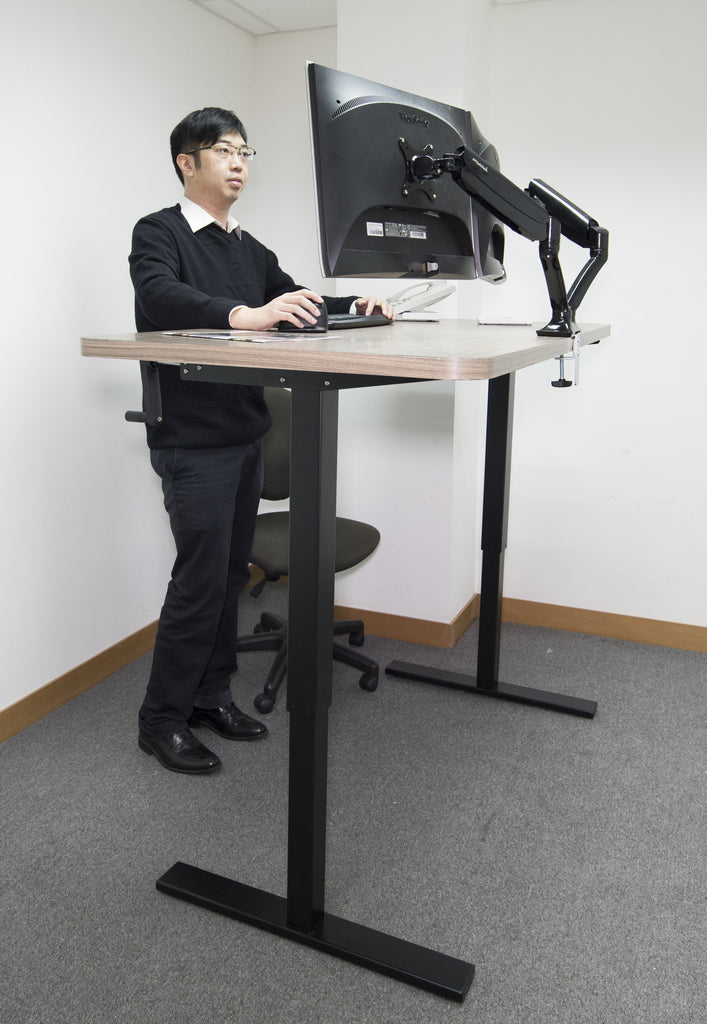 Manually Adjustable Standing Desk With Hand Crank