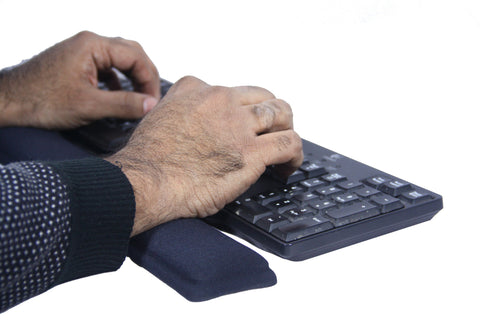 Wrist Wrest and Mouse