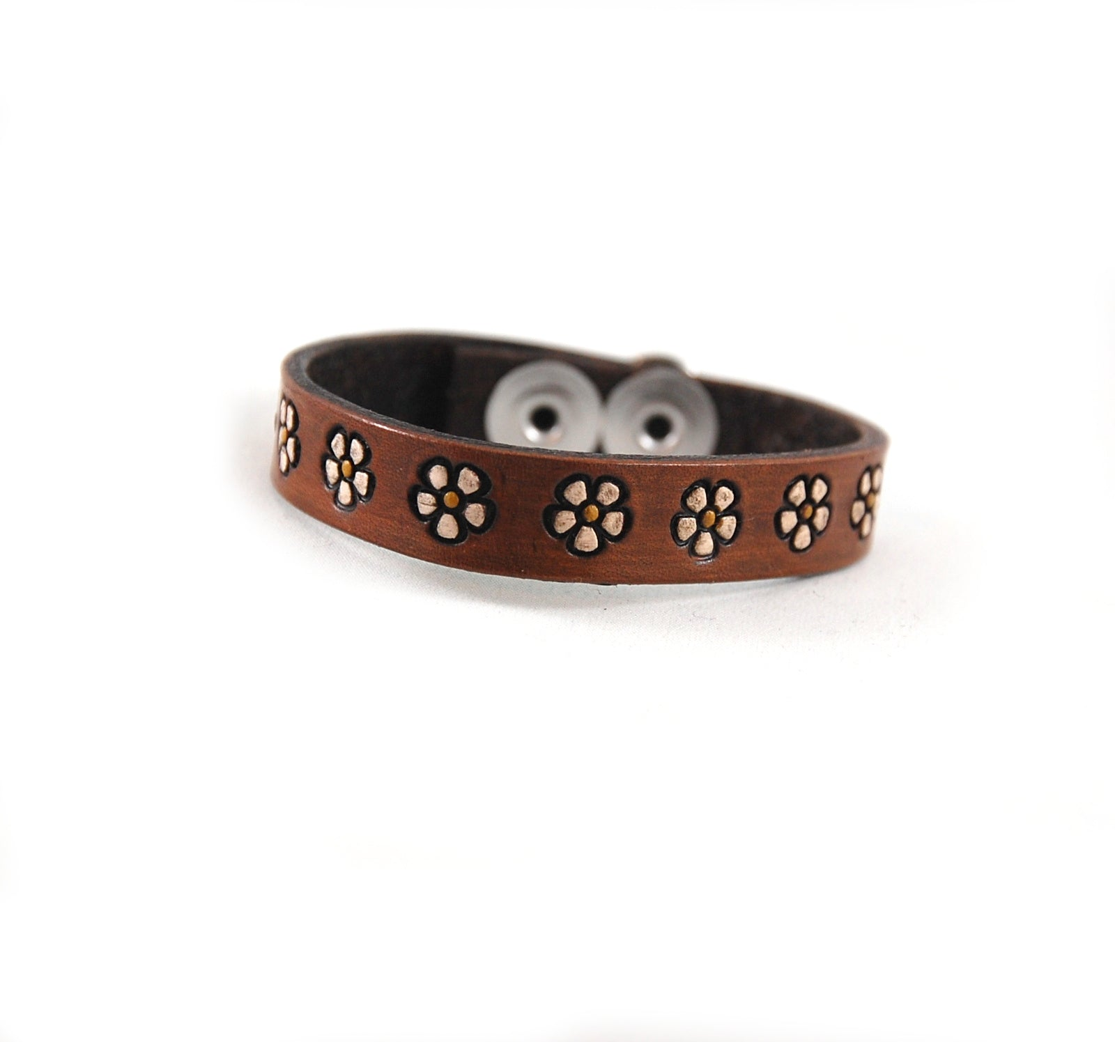 "SF3 - Stamped Flower Leather Bracelet 1/2"" ""Ring of Flowers"" - Fearless hART"