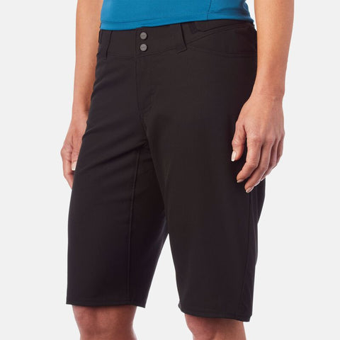 GIRO WOMENS ARC SHORT WITH LINER
