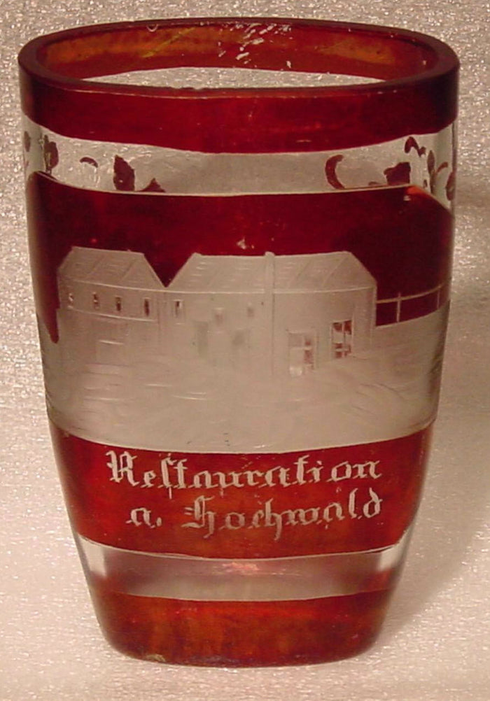 910217 Ruby Glass Flashed W/Engraved Buildings On Front, Reflauration a Hochwald