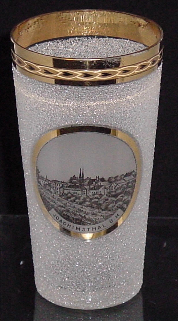 999074 Crystal Pebble Glass With Painting Of Town Joachinsthal. U. M. In Circle