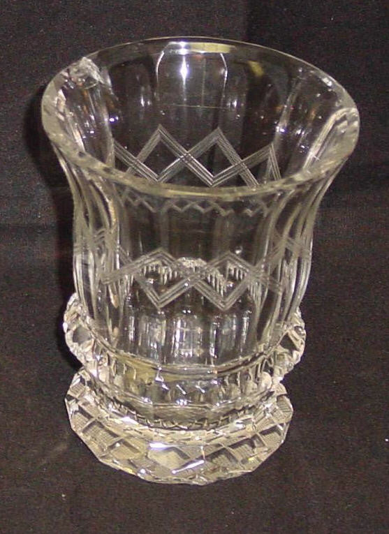 999346 Crystal Friendship Glass W/32 Square Panel Cuts on the Bottom and Sides