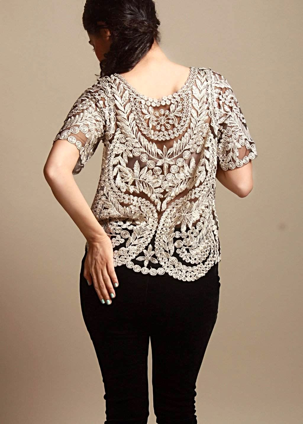 CLASSIC THREAD Net Wonders Lace Top