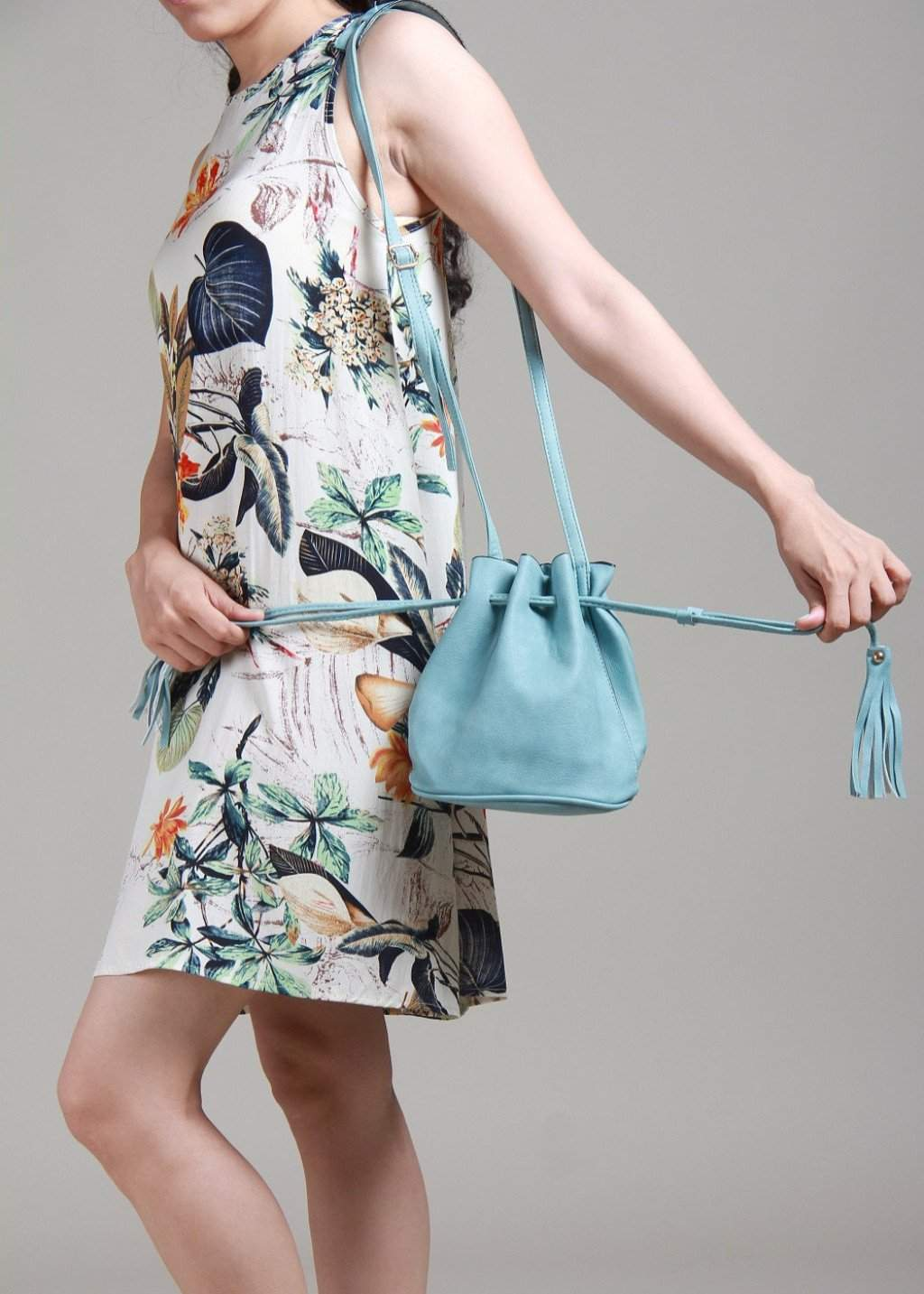 Wowed Wide Open Crossbody Bucket Bag - Blue