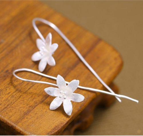 E4 Handcrafted Silver Plated Daisy Flower Hook Earrings