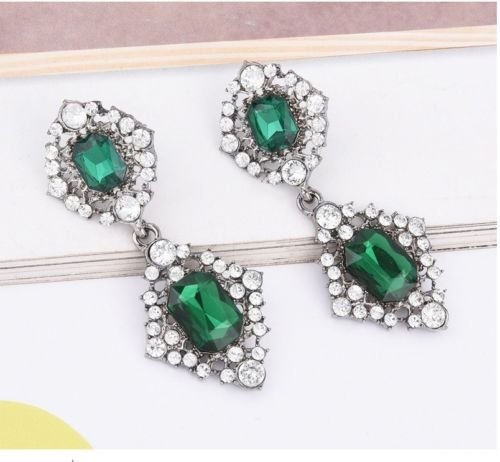 E19 Bella Emerald Green Crystal Statement Dangle Stud Earrings