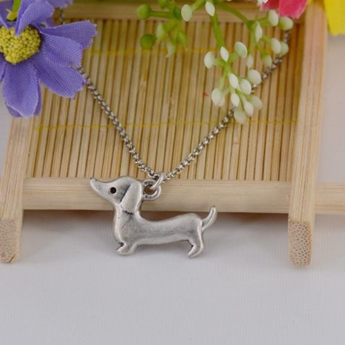 N8 Silver Tone Dachshund Sausage Dog Puppy Pendant Necklace
