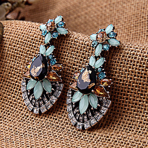 E18 Naomi Vintage Glamour Style Chandelier Dangle Stud Earrings in Gift Pouch